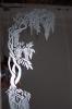 Lustro z piaskowanym ornamentem.